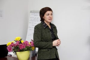 Conf.univ.dr. Anisoara Sandovici resize