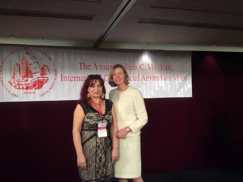 Gala awards cu directoarea Louise Barington resize